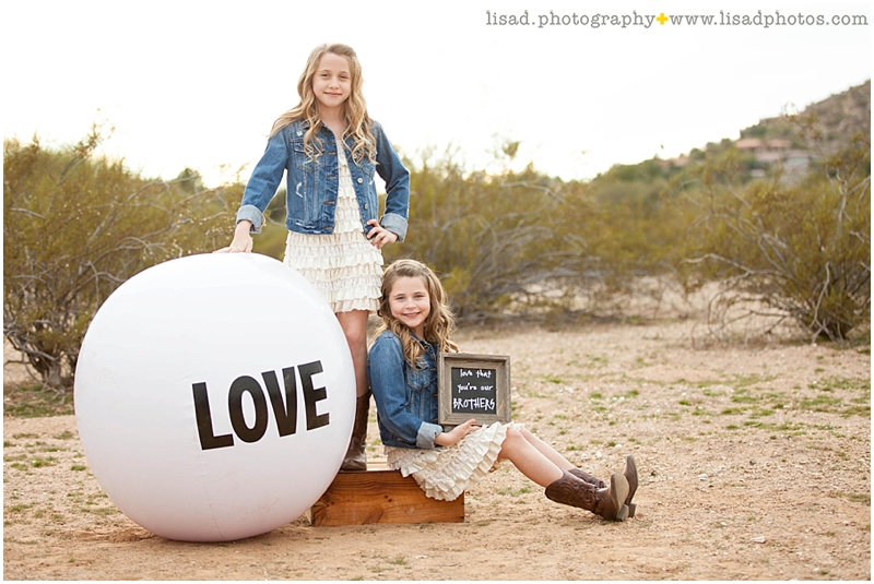 military family photography in Paradise Valley, AZ - phoenix family and children photographer serving Phoenix and surrounding areas - desert location - lisa d. photography - americana - patriotic - big love ball